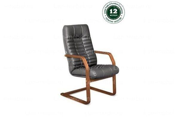 Кресло для руководителя Атлант В/п дерево